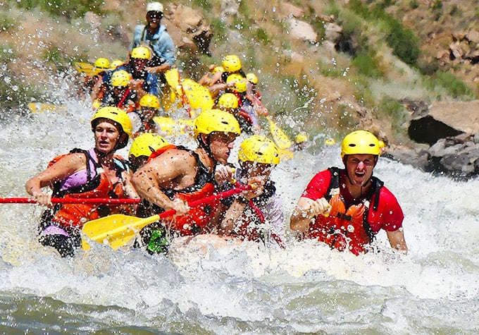 roy-rafting-01
